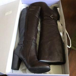 Marc Fisher size 8.5 M Kessler boots. NWOT